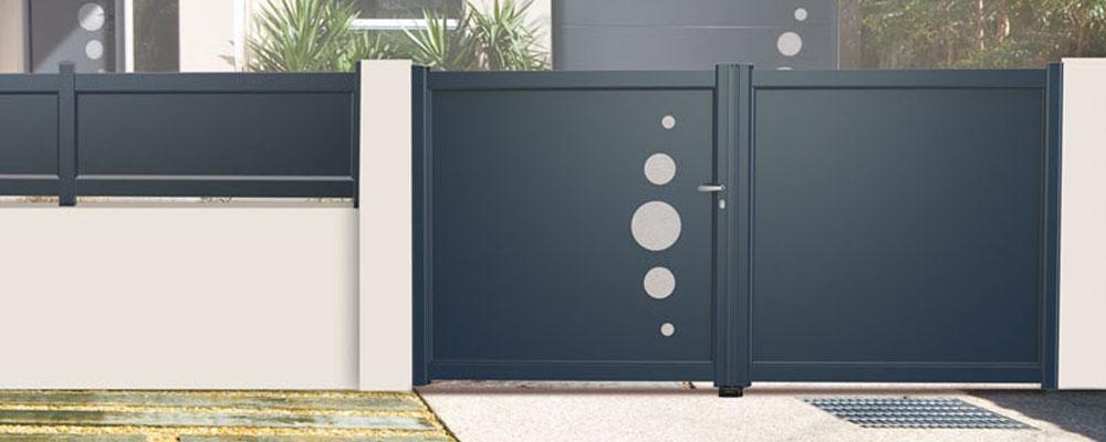 pose de portail cl tures claustras roquebrune sur argens. Black Bedroom Furniture Sets. Home Design Ideas